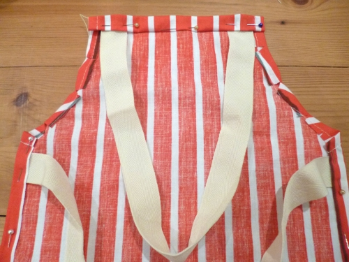 Child's apron: step 4
